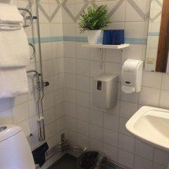 Отель Hotell Fridhemsgatan 3* Стандартный семейный номер с различными типами кроватей