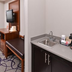 Отель Comfort Inn & Suites Frisco - Plano в номере фото 2