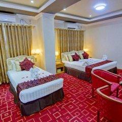 Myat Nan Yone Hotel 3* Семейный люкс с двуспальной кроватью фото 4