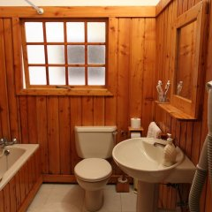 Отель Derek's Marsalforn Home ванная фото 2