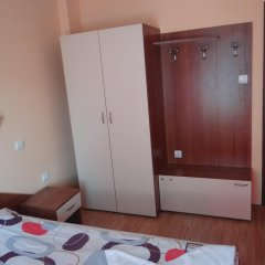 Отель Guest House Lazur Болгария, Аврен - отзывы, цены и фото номеров - забронировать отель Guest House Lazur онлайн сейф в номере