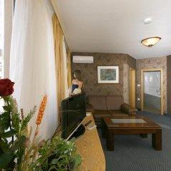 Отель Авион 3* Номер Делюкс с различными типами кроватей фото 25