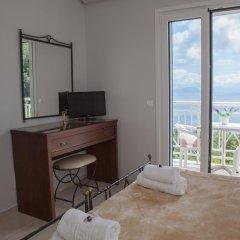 Апартаменты Brentanos Apartments ~ A ~ View of Paradise Студия с различными типами кроватей фото 5