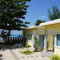 Отель TT Naiyang Beach Phuket 2* Улучшенный номер разные типы кроватей фото 12