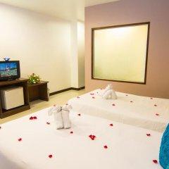 Hawaii Patong Hotel 3* Улучшенный номер с двуспальной кроватью