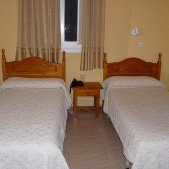 Отель Hostal Sierpes Стандартный номер с различными типами кроватей фото 5