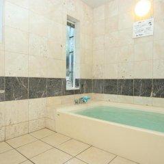 Отель Step House Япония, Яманакако - отзывы, цены и фото номеров - забронировать отель Step House онлайн ванная фото 2