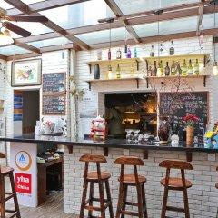 Gesa International Youth Hostel гостиничный бар