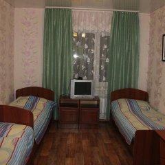 Гостиница Na L'va Tolstogo в Змеиногорске отзывы, цены и фото номеров - забронировать гостиницу Na L'va Tolstogo онлайн Змеиногорск комната для гостей фото 3