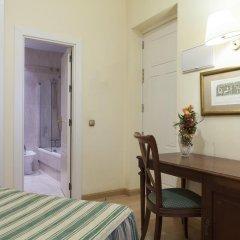 Отель Cervantes Испания, Севилья - отзывы, цены и фото номеров - забронировать отель Cervantes онлайн удобства в номере фото 2