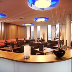 Отель Hilton Garden Inn Stuttgart Neckar Park гостиничный бар