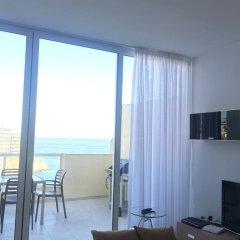 Отель Saint Julian's - Sea View Apartments Мальта, Сан Джулианс - отзывы, цены и фото номеров - забронировать отель Saint Julian's - Sea View Apartments онлайн комната для гостей фото 4