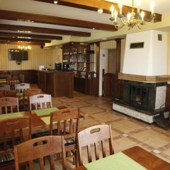 Гостиница Café Chalet Edelweiss Holiday Home питание