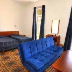 The British Hotel 2* Стандартный номер с 2 отдельными кроватями фото 3
