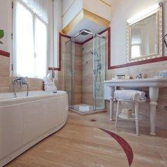 Отель Grand Hotel Rimini Италия, Римини - 4 отзыва об отеле, цены и фото номеров - забронировать отель Grand Hotel Rimini онлайн ванная