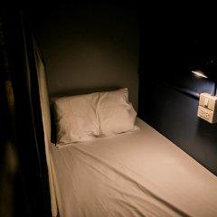 Silom Space Hostel Кровать в общем номере фото 2