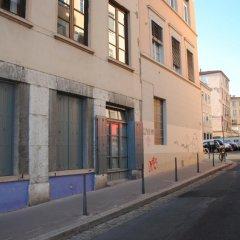 Отель L'Atelier des Canuts Франция, Лион - отзывы, цены и фото номеров - забронировать отель L'Atelier des Canuts онлайн парковка