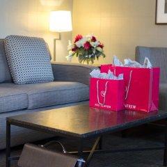Отель The St. Regis Hotel Канада, Ванкувер - отзывы, цены и фото номеров - забронировать отель The St. Regis Hotel онлайн в номере