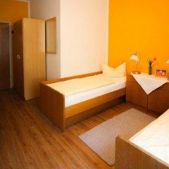Отель Pension/Guesthouse am Hauptbahnhof Стандартный номер с двуспальной кроватью (общая ванная комната) фото 13