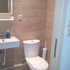 Отель Thess Hostel Греция, Салоники - отзывы, цены и фото номеров - забронировать отель Thess Hostel онлайн ванная