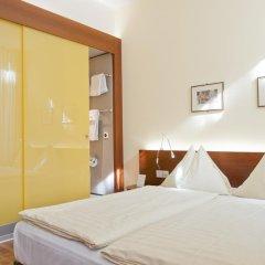Отель Goldener Schlüssel 3* Стандартный номер с двуспальной кроватью фото 4