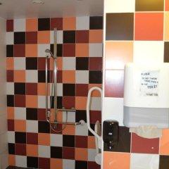St Christophers Inn Hostel at The Bauhaus Кровать в общем номере с двухъярусной кроватью фото 10