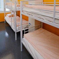 Отель CheapSleep Helsinki Кровать в общем номере с двухъярусной кроватью фото 9