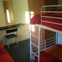 Отель Hostels MeetingPoint 2* Кровать в женском общем номере с двухъярусной кроватью фото 2