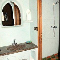 Отель Riad Ouzine Merzouga Марокко, Мерзуга - отзывы, цены и фото номеров - забронировать отель Riad Ouzine Merzouga онлайн ванная