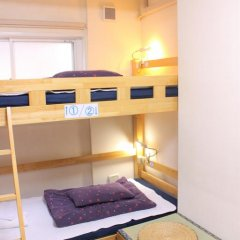 Отель K's House Tokyo Кровать в общем номере фото 8