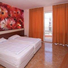 Отель Sunny Flower Hotel Болгария, Солнечный берег - отзывы, цены и фото номеров - забронировать отель Sunny Flower Hotel онлайн комната для гостей фото 2
