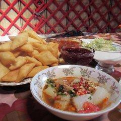 Отель Happy Nomads Yurt Camp Кыргызстан, Каракол - отзывы, цены и фото номеров - забронировать отель Happy Nomads Yurt Camp онлайн питание