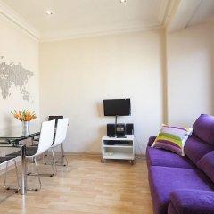 Апартаменты Plaza España Apartment Барселона комната для гостей фото 4