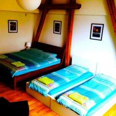 Hostel One Miru Кровать в общем номере с двухъярусной кроватью фото 15
