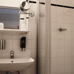 Отель Graf Stadion 3* Стандартный номер с различными типами кроватей фото 5