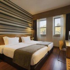Отель HF Fénix Lisboa 4* Номер Комфорт с 2 отдельными кроватями фото 2