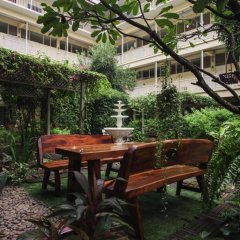 Отель Feung Nakorn Balcony Rooms and Cafe Бангкок фото 6