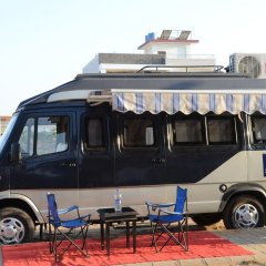 Отель FabHotel Golden Days Club городской автобус