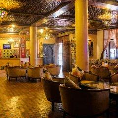 Отель La Perle du Sud Марокко, Уарзазат - отзывы, цены и фото номеров - забронировать отель La Perle du Sud онлайн гостиничный бар