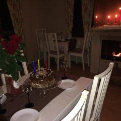 Отель Guest House Romantika Болгария, Копривштица - отзывы, цены и фото номеров - забронировать отель Guest House Romantika онлайн питание