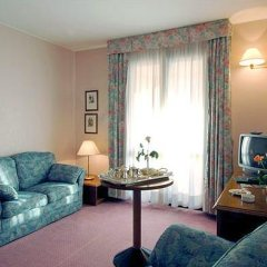 Отель Hostellerie Du Cheval Blanc 4* Стандартный номер фото 9