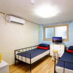 Hostel KW Gangnam Стандартный номер с 2 отдельными кроватями фото 3
