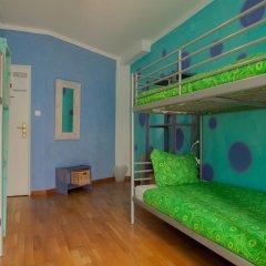 Отель Ericeira Surf Camp 2* Кровать в общем номере двухъярусные кровати фото 25