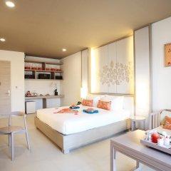 Отель Proud Phuket 4* Улучшенный номер с двуспальной кроватью фото 5