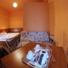 Отель Pension Madara Вена в номере