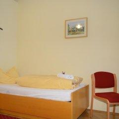 Отель Gästehaus Im Priesterseminar Salzburg 3* Стандартный номер фото 2