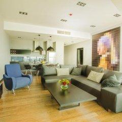 Отель 40th+ Floor Luxury Apartments in Sky Tower Польша, Вроцлав - отзывы, цены и фото номеров - забронировать отель 40th+ Floor Luxury Apartments in Sky Tower онлайн комната для гостей фото 3