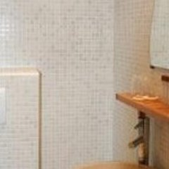 Отель Appartement Place du Tertre Париж ванная