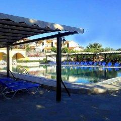 Отель Village Mare бассейн