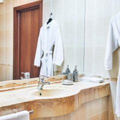 Гостиница Золотое Кольцо Кострома Люкс с двуспальной кроватью фото 21